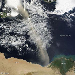dust-plume-egypt-mediterranean-110223-02