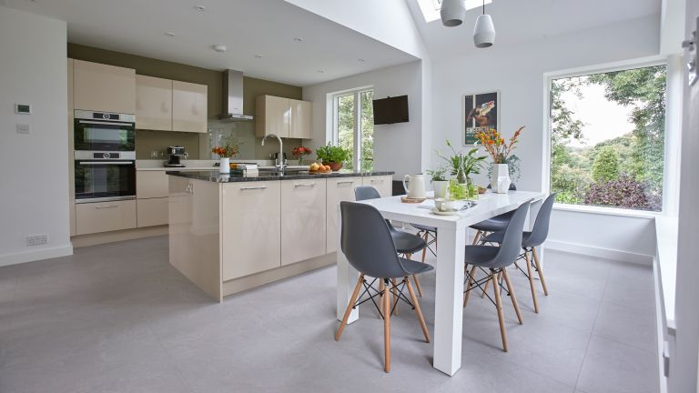Cathy and Andrew Fagg needed to extend the kitchen at the top of their home, and their architect rose to the challenge with a stunning design