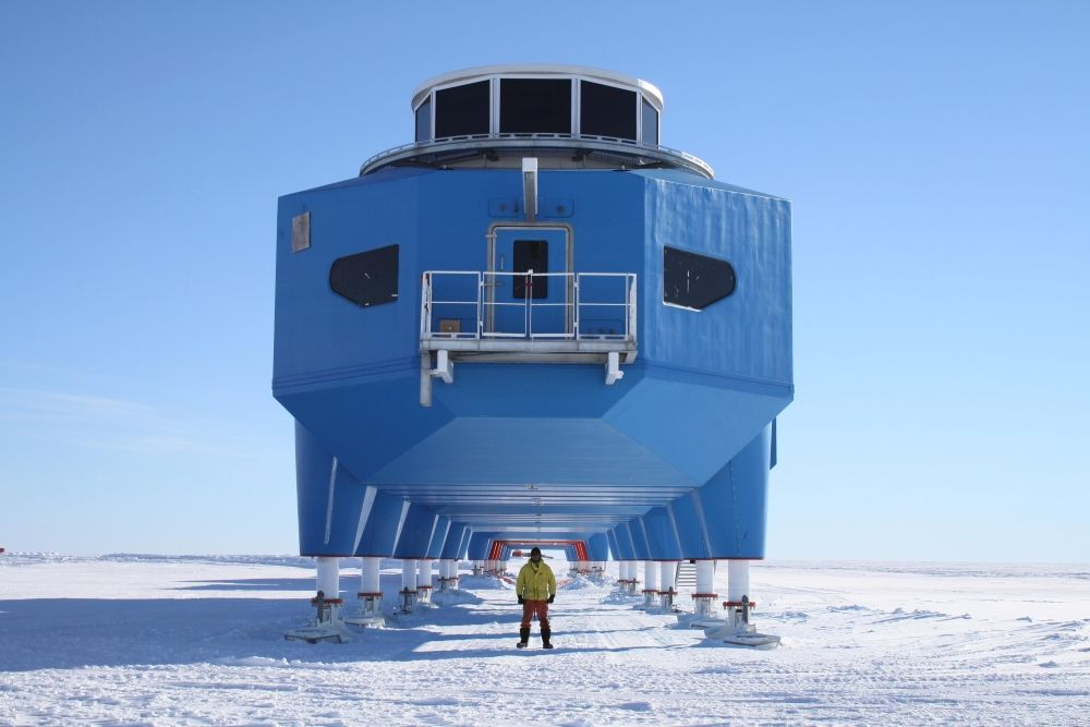 Photos: Behind the Scenes of an Antarctic Research Base's Relocation