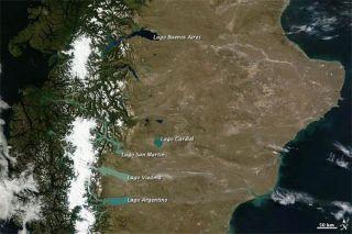 patagonia-glacial-lakes-110311-02