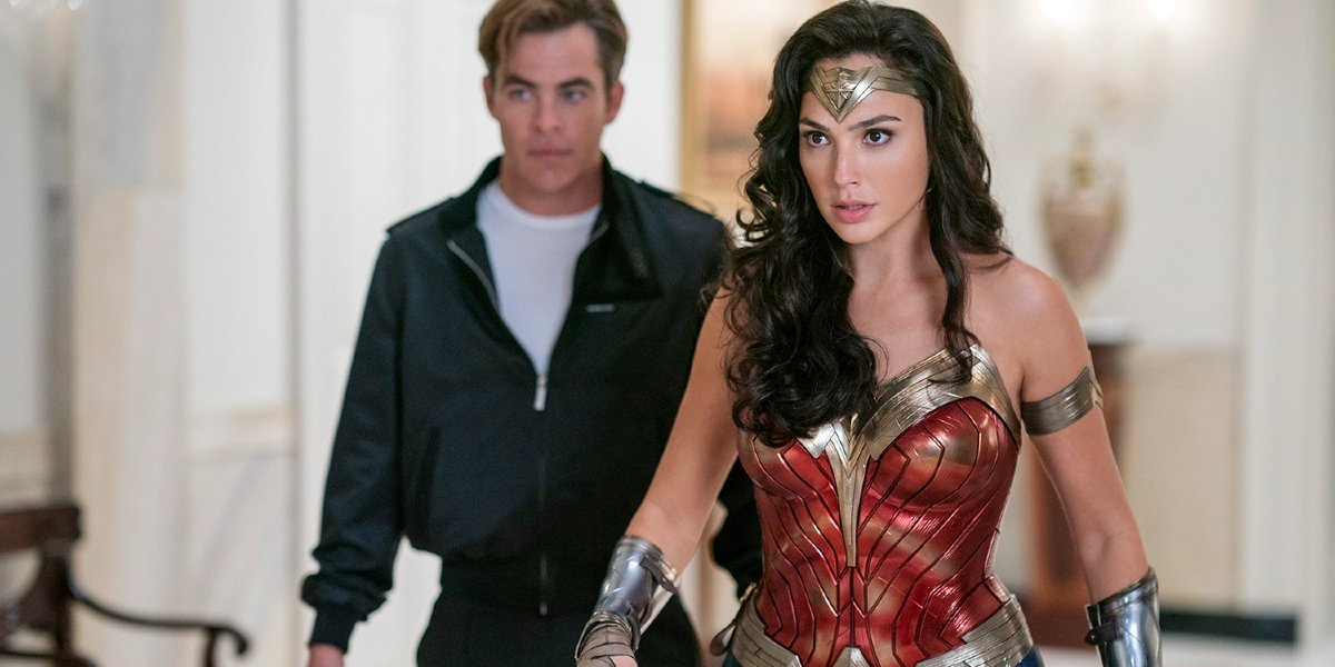 Wonder Woman 1984 Chris Pine and Gal Gadot standing stunned in the White House