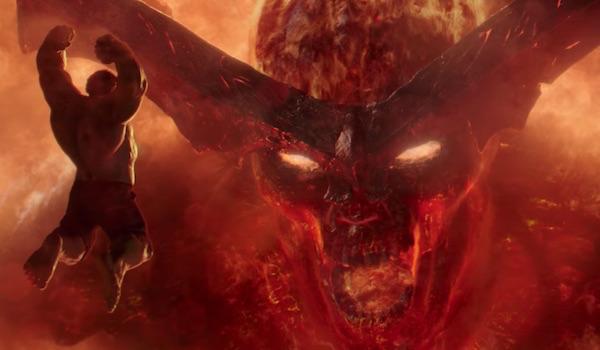 Hulk jumping at Surtur in Thor: Ragnarok