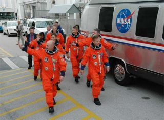 NASA Shuttle Managers Discuss STS-121 Launch Plan