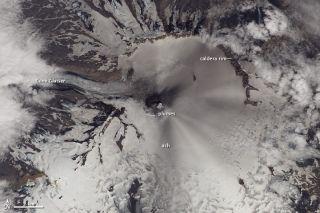 Veniamanof volcano