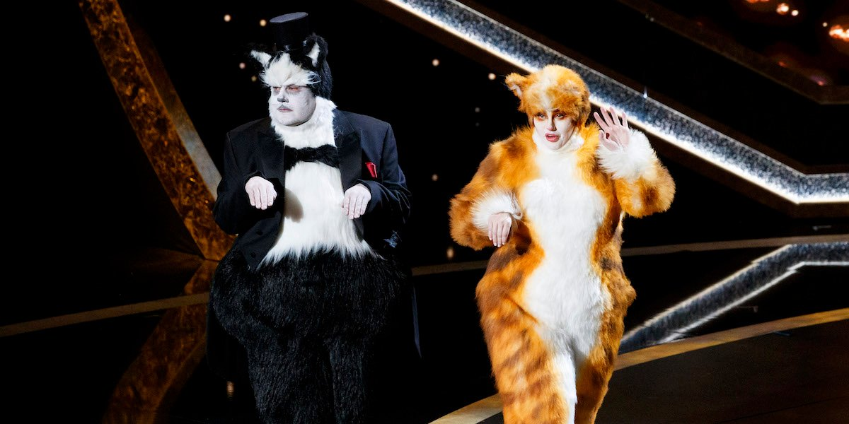 Rebel Wilson and James Corden as Cats at 2020 Oscars