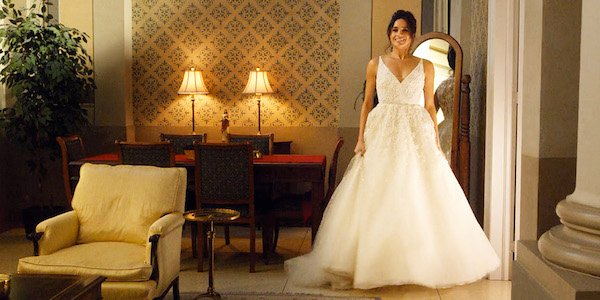Meghan Markle Full View Of Wedding Dress On Suits