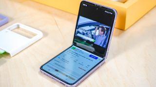 Samsung Galaxy Z Flip 3 reasons to buy and skip