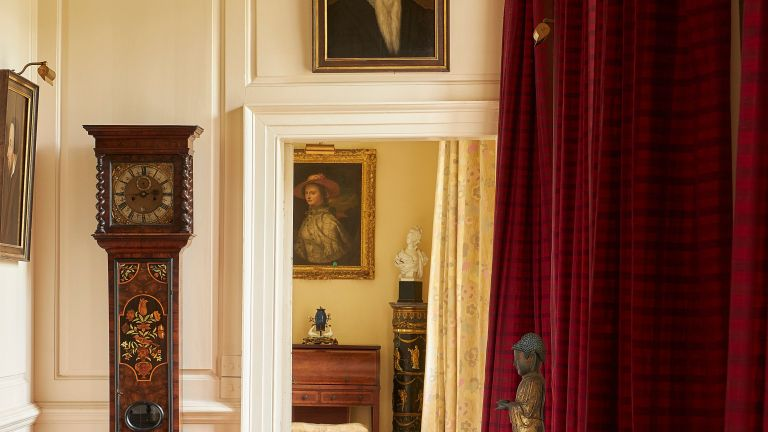 Sotheby's will auction the belongings of the 2nd Countess Mountbatten of Burma who was a descendant of Queen Victoria