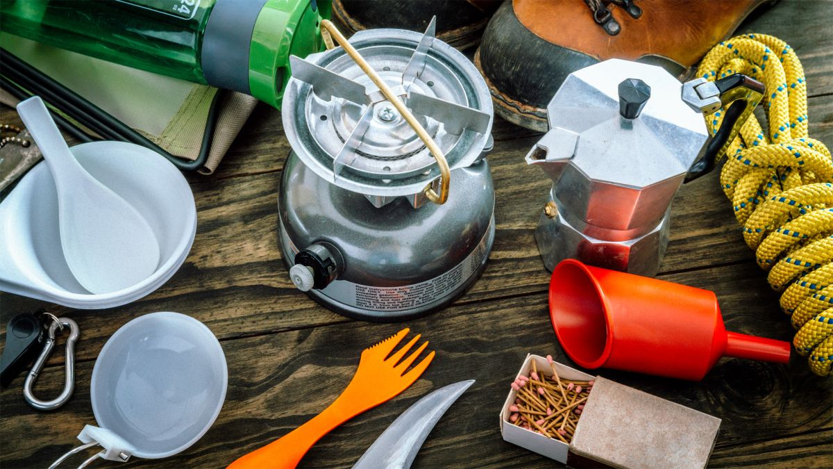 Best camping utensils: the essential tools you need to create a mobile kitchen cabinet
