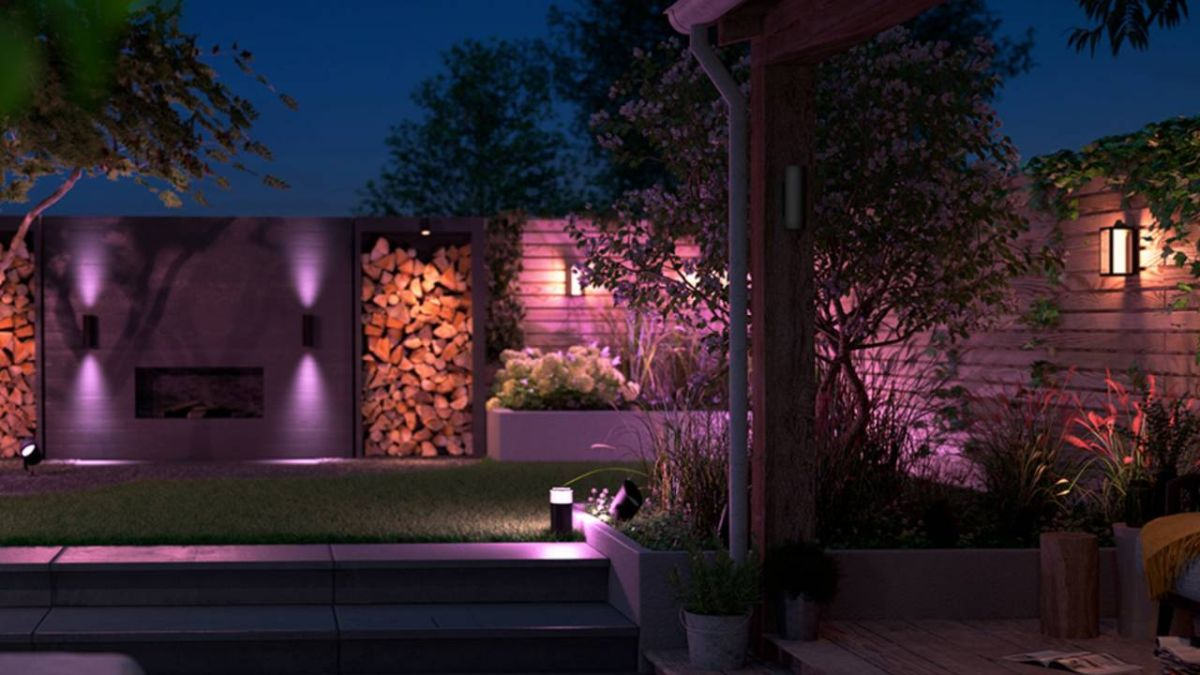 Philips Hue at CES 2020: new outdoor lights and Play Sync Box gets voice control