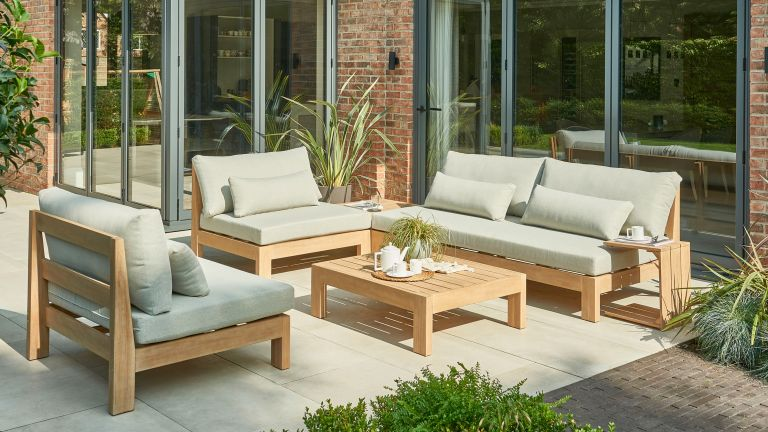 outdoor seating ideas: kettler garden sofa set