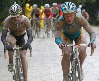 Cadel Evans and Alexander Vinokourov on the road to Montalcino on the 2010 Giro d'Italia.