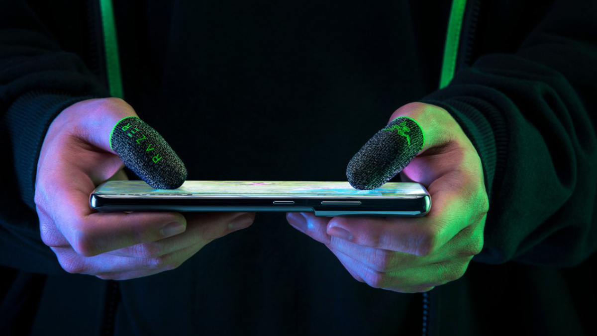 Razer wants to sell you handless gloves for superior mobile gaming