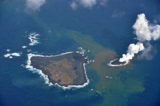 New volcano island off Japan