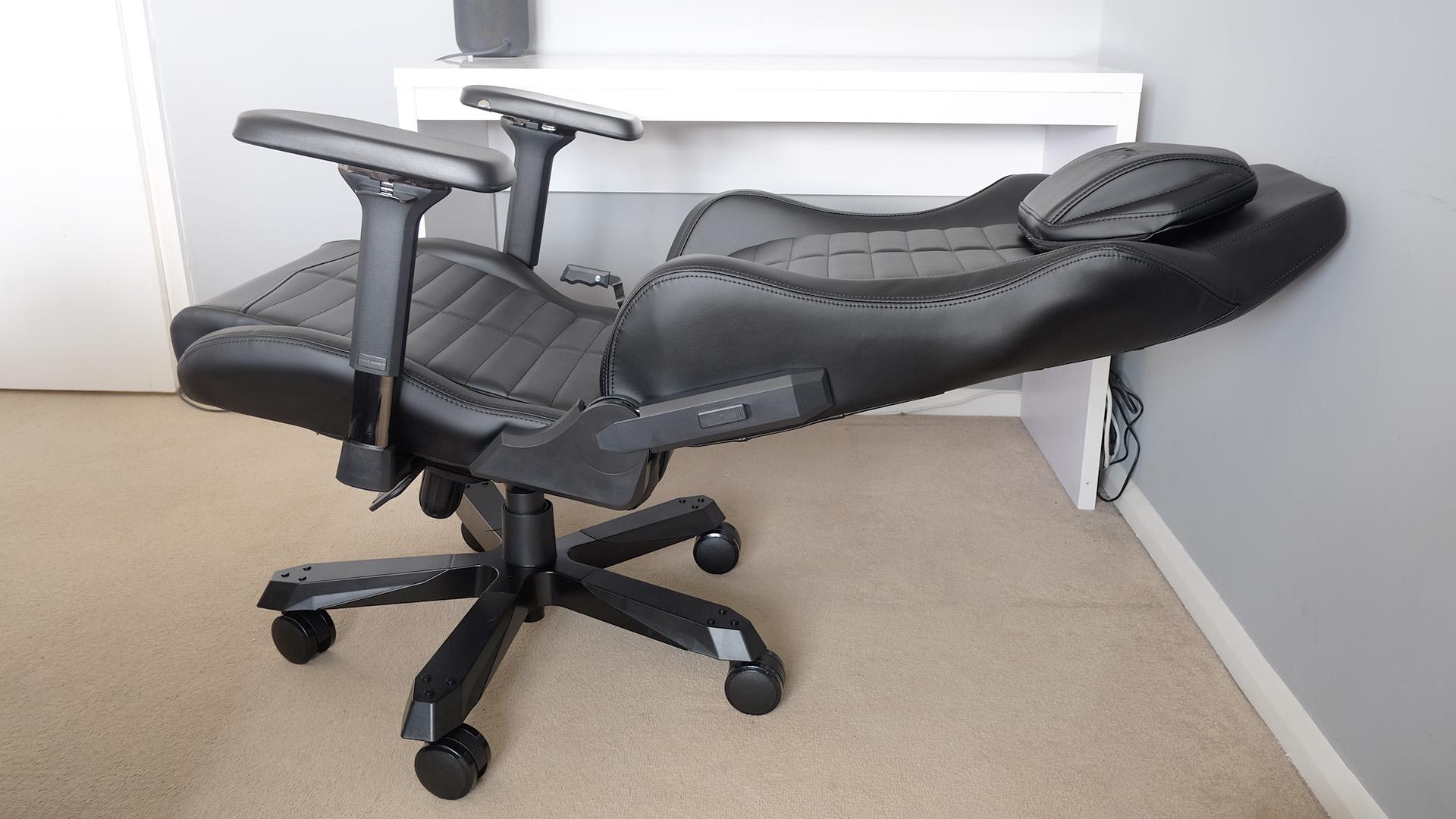 DXRacer max recline