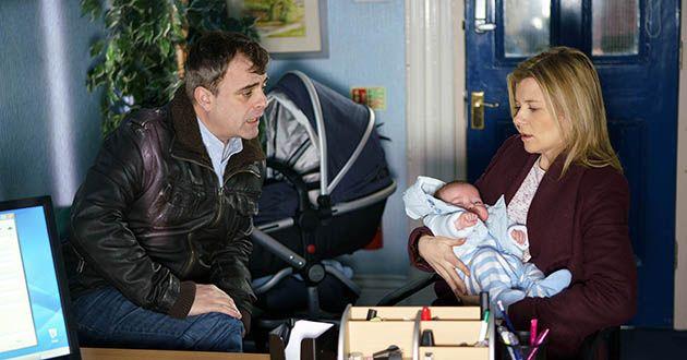 Steve, Leanne, baby Oli, birth certificate