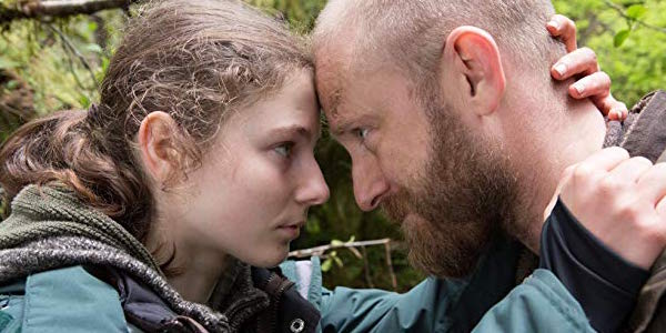 Tom McKenzie and Ben Foster in Leave No Trace