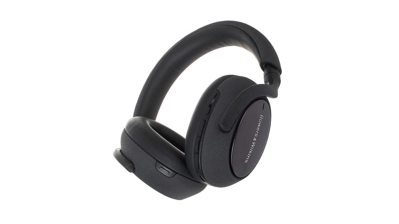 the bowers & wilkins px7 wireless headphones in black