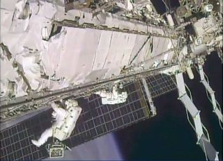 Lindgren and Scott Kelly Conclude Spacewalk