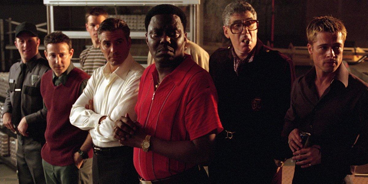 Scott Caan, Eddie Jemison, Matt Damon, George Clooney, Bernie Mac, Elliott Gould, and Brad Pitt in Ocean's Eleven