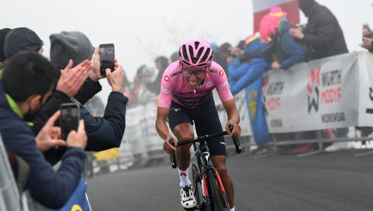 Egan Bernal on the attack at the Giro