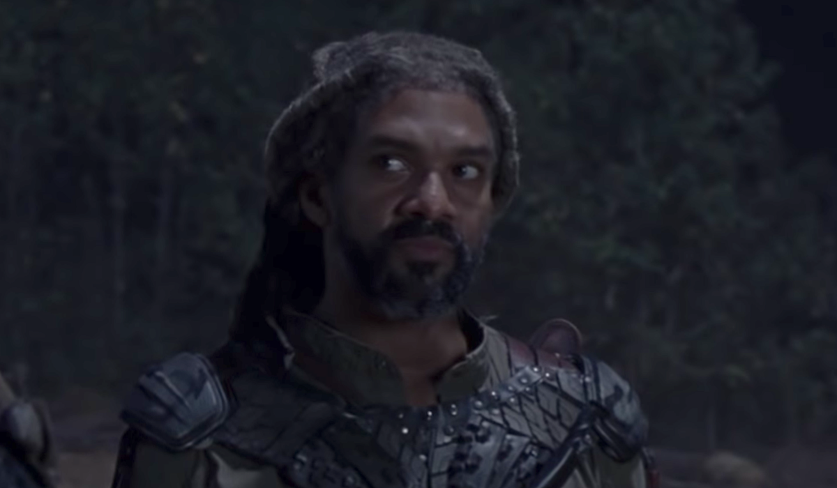 ezekiel looking at jerry whisperers war