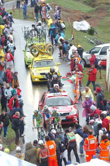 The leading trio of Ivan Basso, Vincenzo Nibali and Michele Scarponi are about to crest the Mortirolo summit.