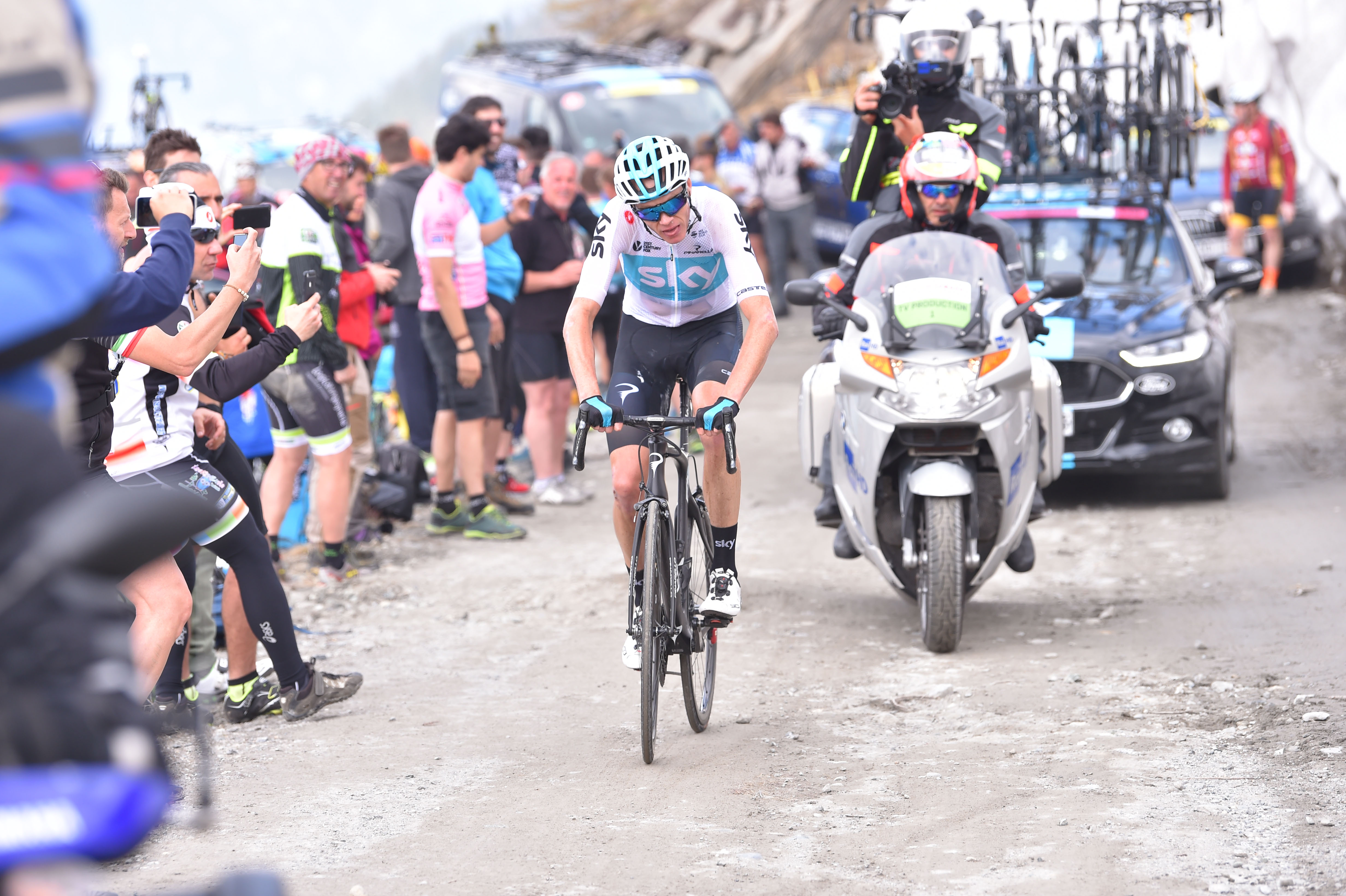 25b55011084 25 May 2018 101st Giro d'Italia Stage 19 : Venaria Reale - Bardonecchia  FROOME Christopher (GBR) Sky, at Colle delle Finestre Photo : Yuzuru SUNADA