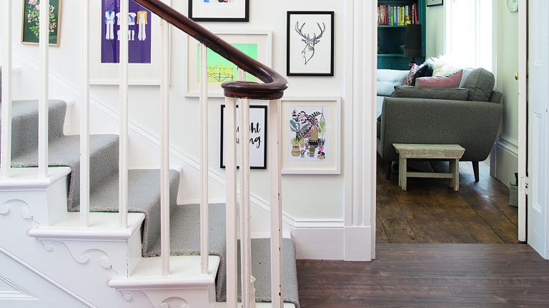 How to restore architraves
