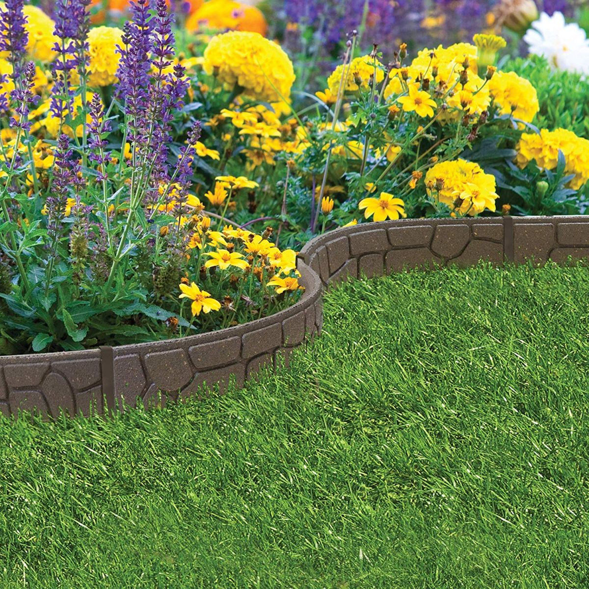 Lawn edging: 8 ideas to keep your borders neat | Real Homes on Backyard Border Ideas id=18908