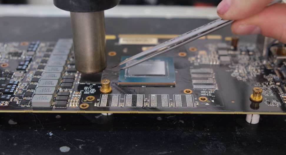 Watch this GeForce RTX 2070 get modded from 8GB to 16GB of GDDR6 memory