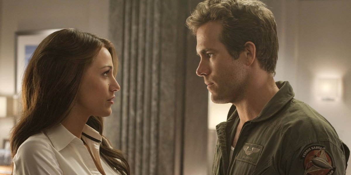 Green Lantern Blake Lively and Ryan Reynolds stare into each other's eyes