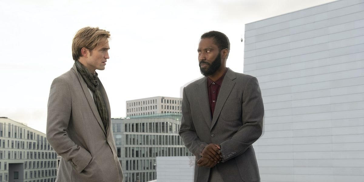 Robbert Pattinson and John David Washington in Tenet