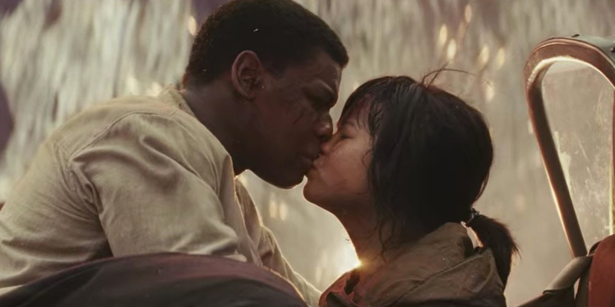 Rose and Finn's kiss