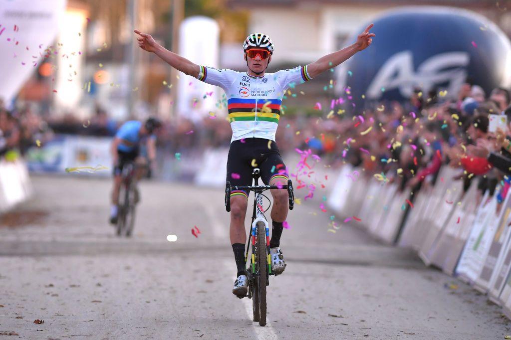 Van der Poel back in cyclo-cross action this weekend