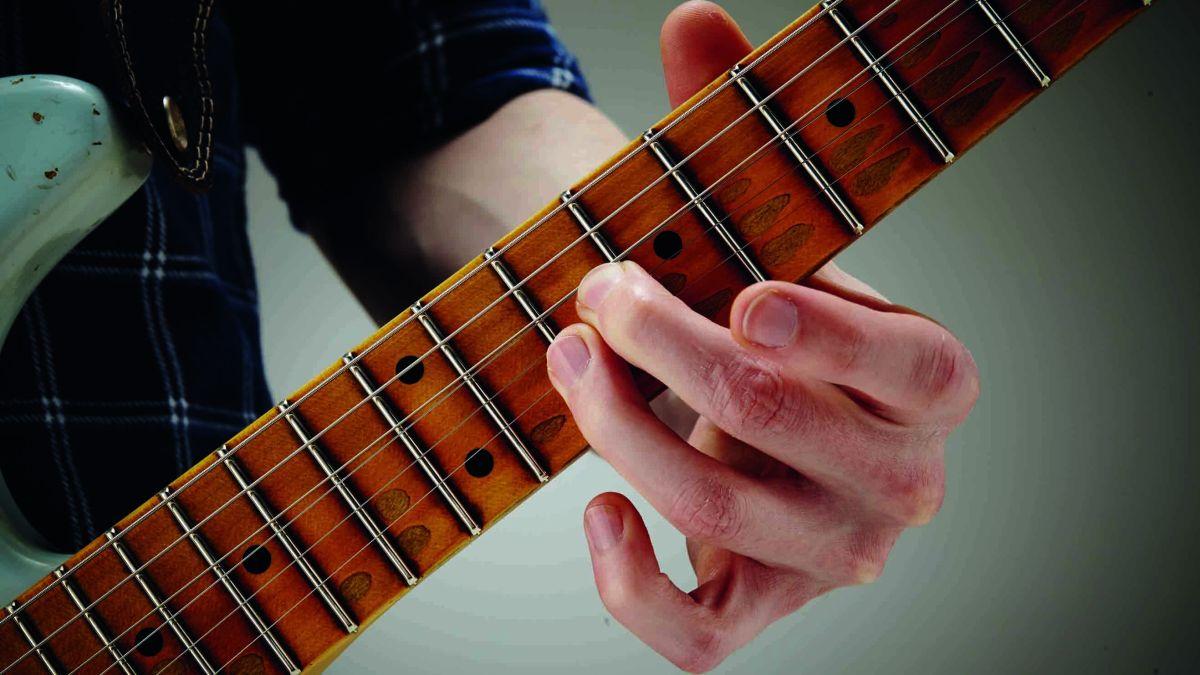 5-minute blues guitar lesson: Dissonant doublestop bends