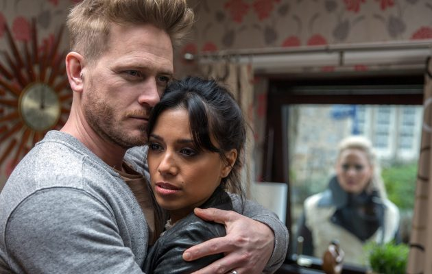 Emmerdale spoilers: Tracy clocks David with Priya and presumes the worst