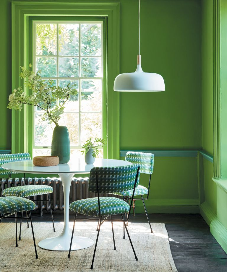 Interior designers reveal their favorite shade of green paint, green in a dining room