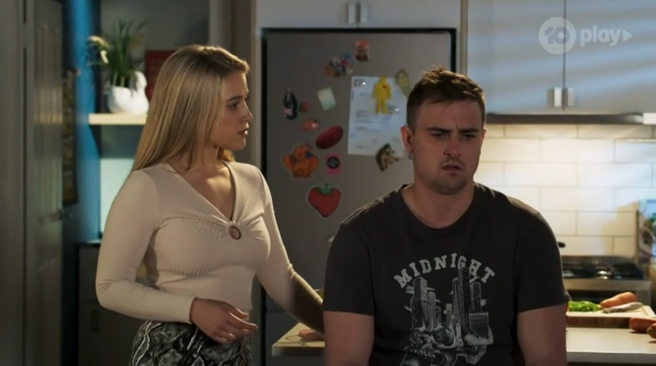 Neighbours, Roxy Willis, Kyle Canning