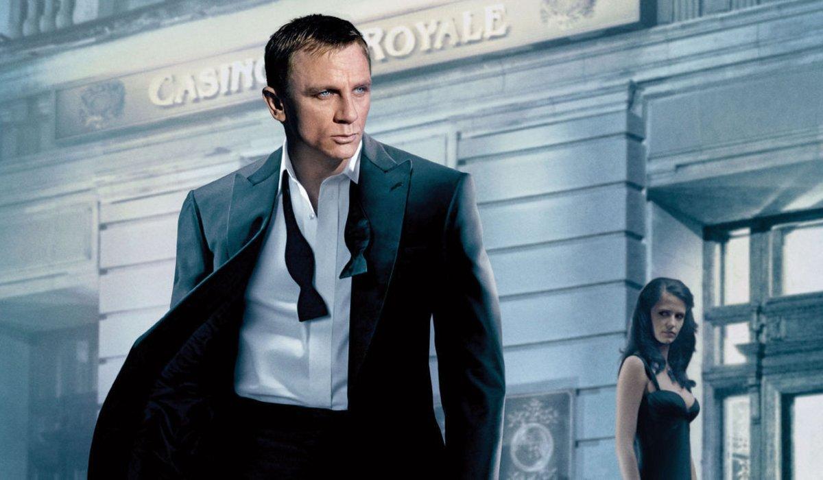 Casino Royale Daniel Craig walks away from Eva Green