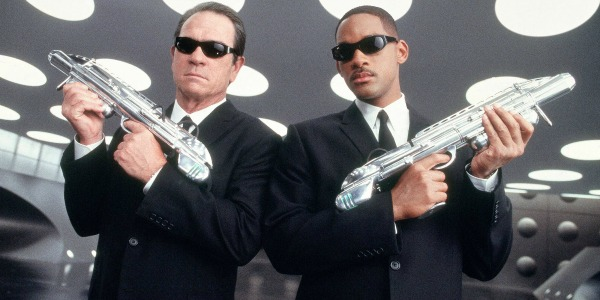 Will Smith and Tommy Lee Jones holding guns in Men In Black