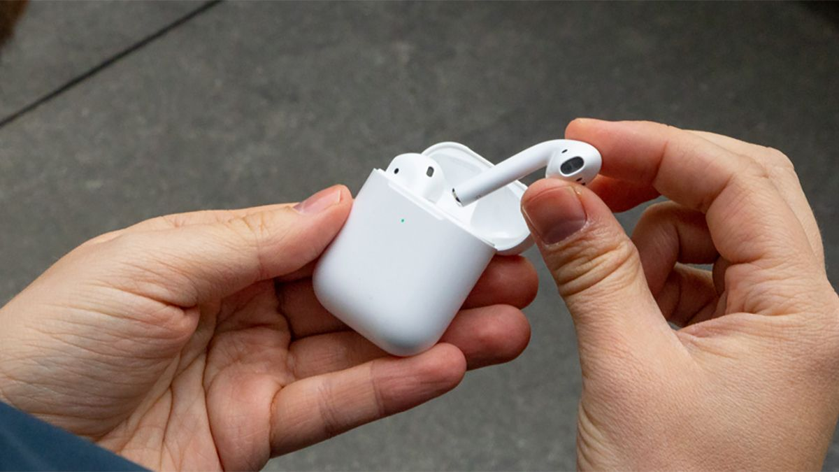 New Apple AirPods 2 apparently revealed in leaked image