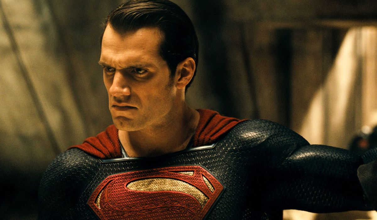 Superman glaring at Batman in Knightmare future