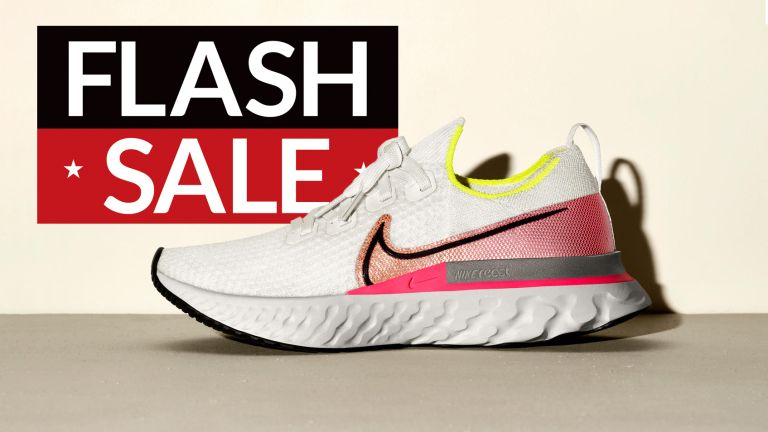Nike Sale: Get 22% off ALL sneakers and clothing at Nike – today only!