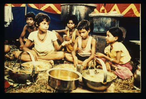 Salaam Bombay! - Mira Nair's poignant drama about a homless boy living on Bombay's streets