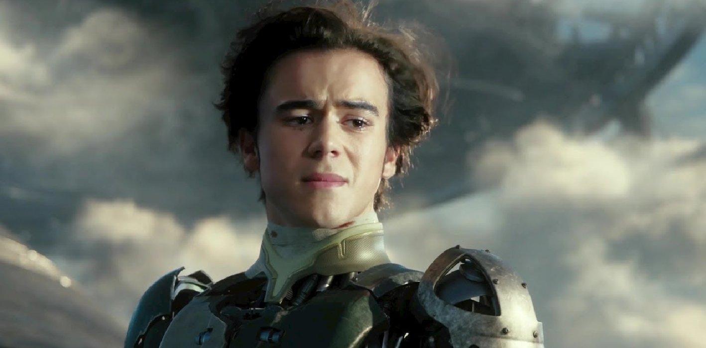 Alita: Battle Angel Hugo crying in his new robot body