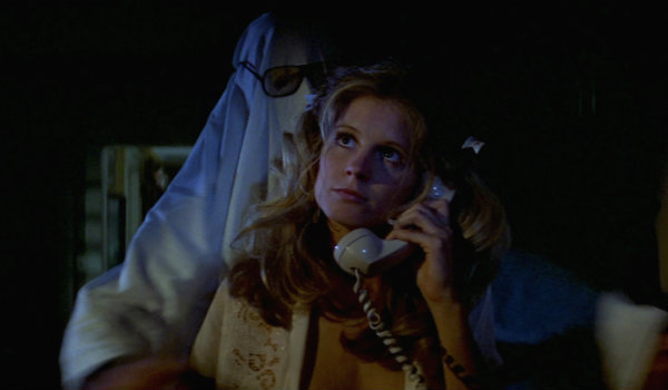 Halloween Linda strangle scene PJ soles