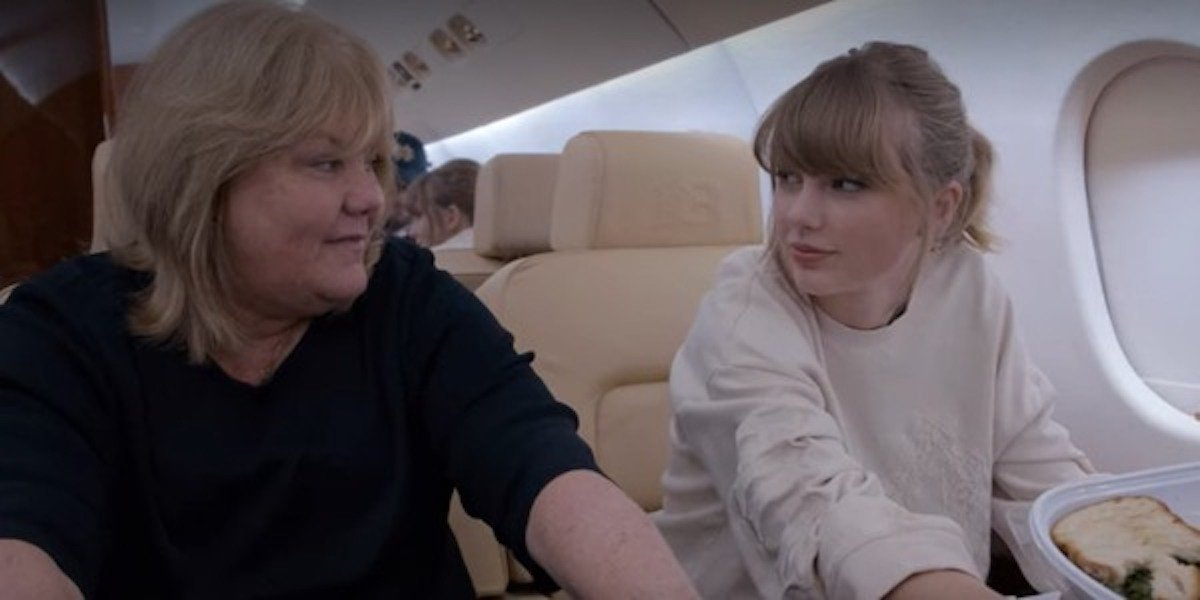 Taylor Swift and her mom Andrea Swift on a plane in Miss Americana doc