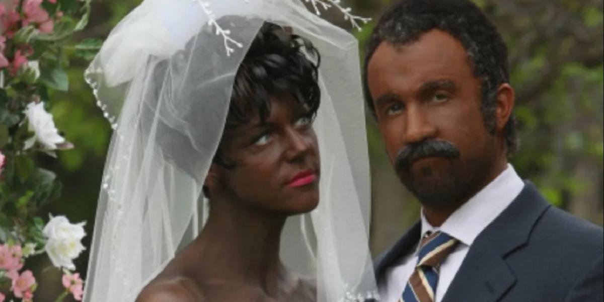 Kaitlin Olson and Rob McElhenney with blackface in It's Always Sunny in Philadelphia
