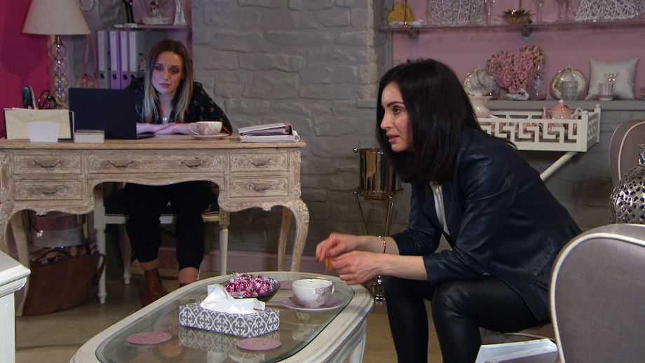 Andrea tells Leyla about Jamie's affair in Emmerdale